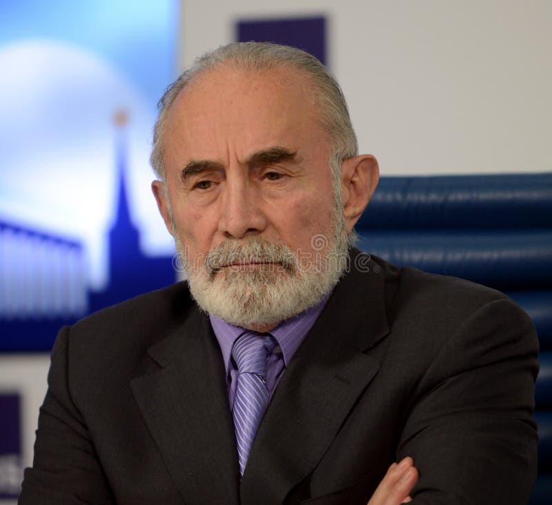 Aslambek Aslakhanov - Russische politicus, lid van de Raad van Federatie Afgevaardigde Chairman van het Federatiecomité van de ra stock afbeelding