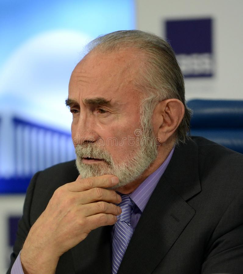 Aslambek Aslakhanov - russischer Politiker, Mitglied des Rates der Vereinigung Abgeordneter Chairman des Vereinigungs-Ratsausschu lizenzfreies stockbild