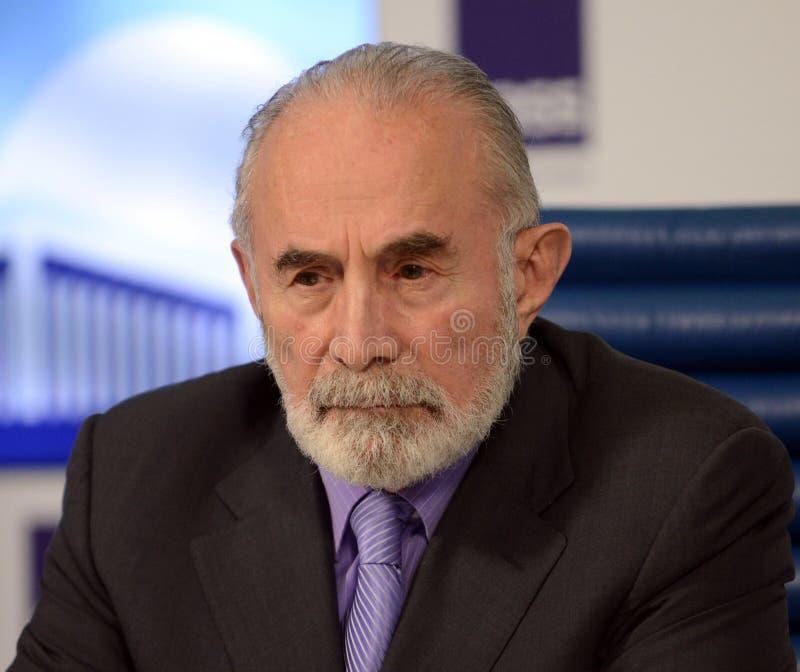 Aslambek Aslakhanov - rysk politiker, medlem av rådet av federation Ställföreträdande Chairman av federationrådskommittén på royaltyfri foto
