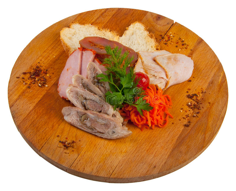 Asortowani mięsa na drewnianej desce pojęcie: przekąski obrazy stock