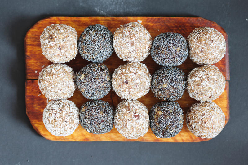 Asortowani surowi weganinów cukierki fotografia royalty free