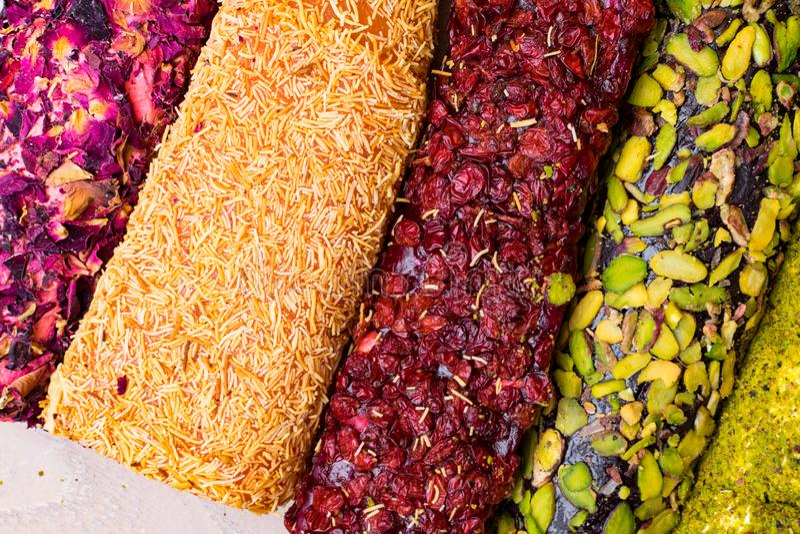 Asortowany tradycyjny Turecki zachwyt zakazuje cukier pokrywającego miękkiego cukierek zdjęcia royalty free