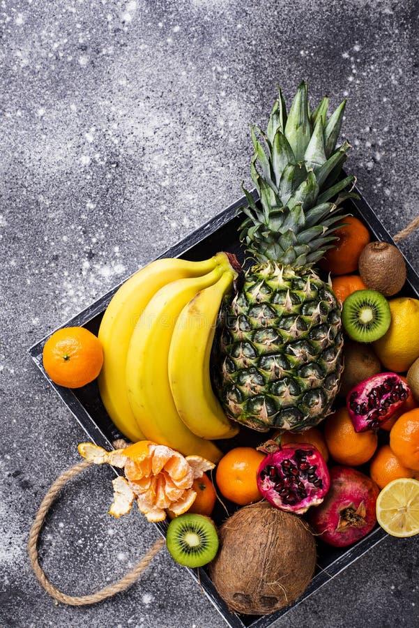Asortyment świeże tropikalne owoc obrazy royalty free