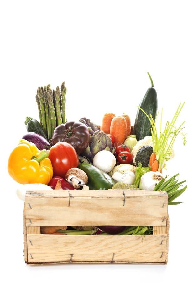 Asortyment świezi warzywa w skrzynce zdjęcia stock