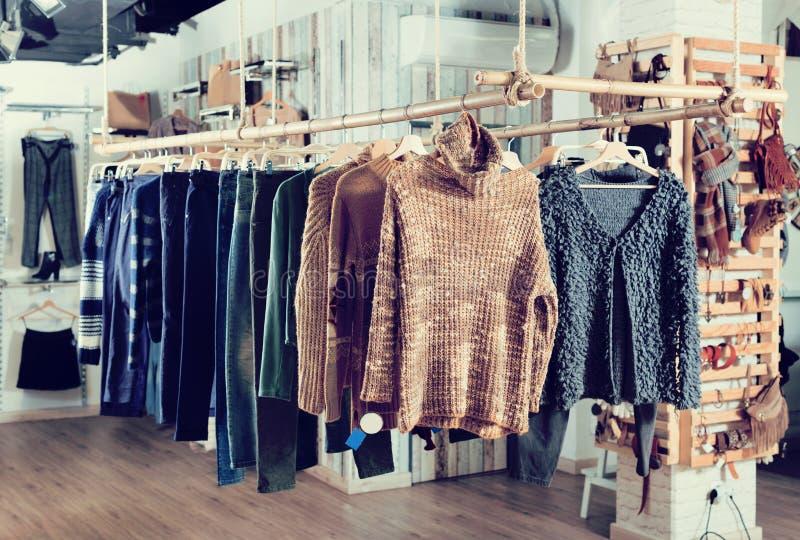 Asortyment ciepła woolen odzież i akcesoria fotografia stock