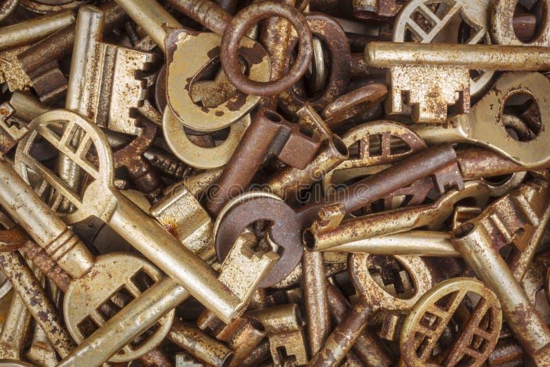 Asortyment różni antykwarscy klucze zdjęcie stock