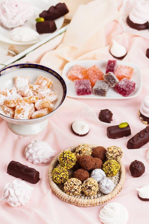 Asortyment różni cukierki fotografia stock