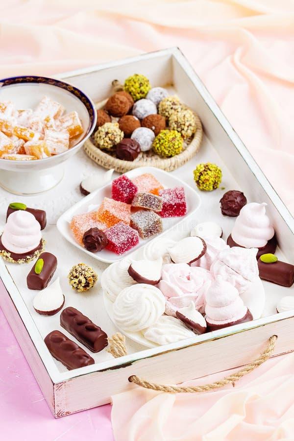 Asortyment różni cukierki zdjęcia stock