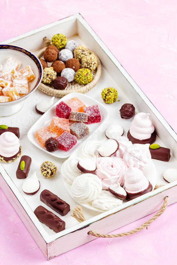 Asortyment różni cukierki zdjęcie royalty free