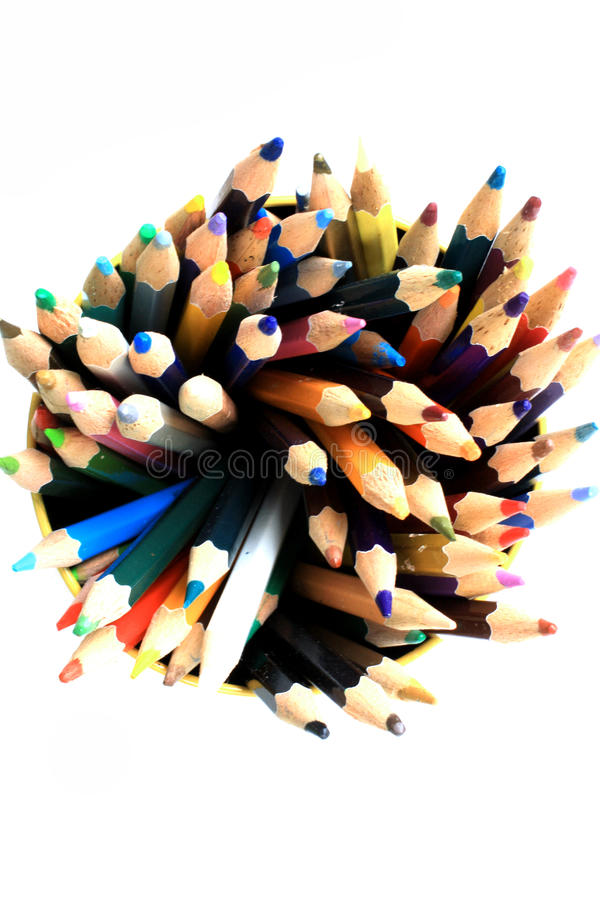 Asortyment wielo- barwioni ołówki na bielu zdjęcie royalty free