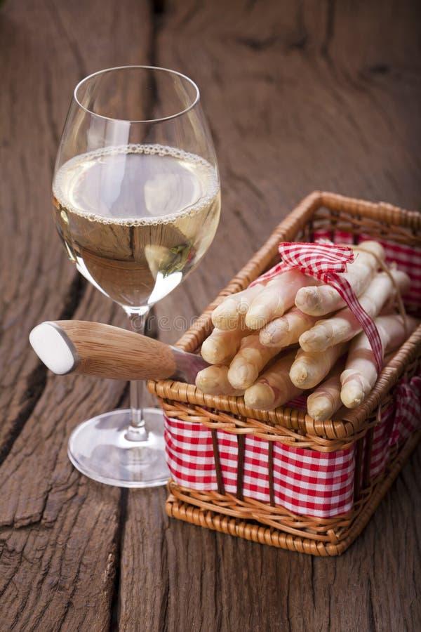 Asparagus i wino zdjęcie stock