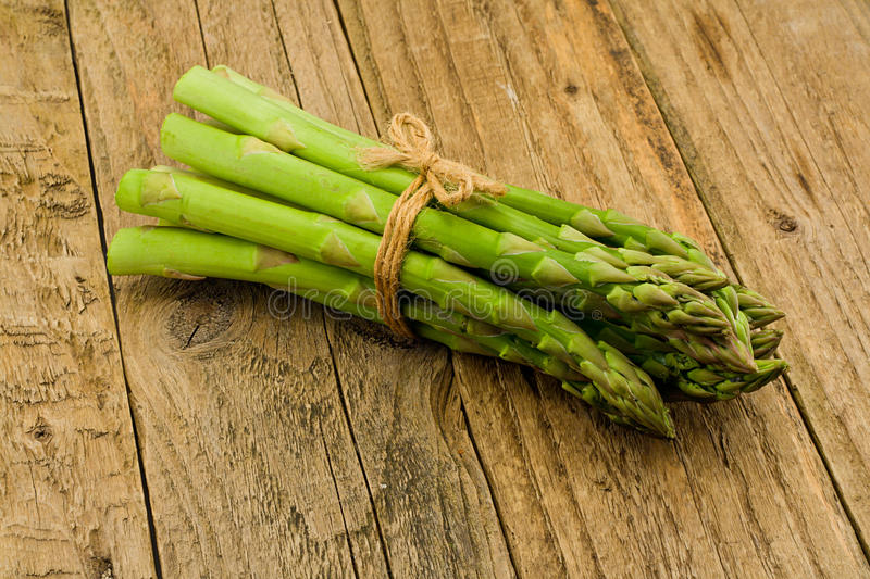 Download Asparagus Rustic Wooden Table Stock Image - Image: 33216869