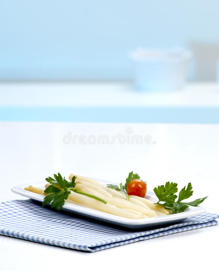 Download Asparagus In A White Plate Stock Photography - Image: 18483092