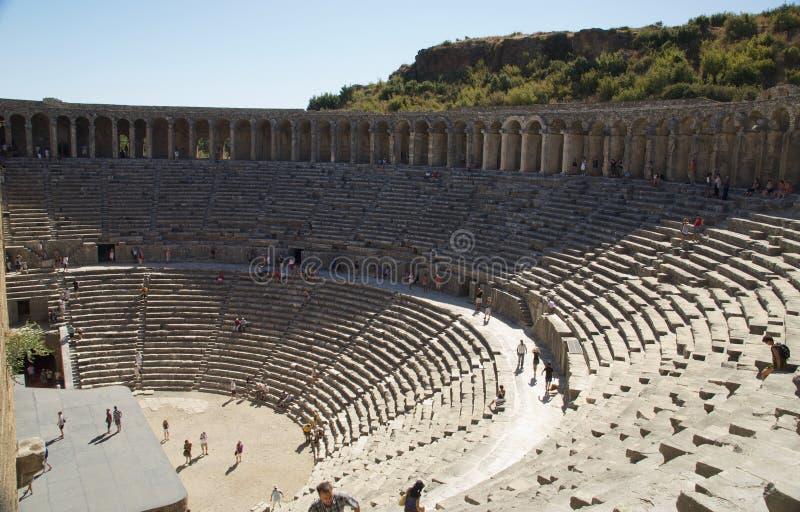 Aspendos theatre w Turcja Miejsca siedzące teren zdjęcia stock