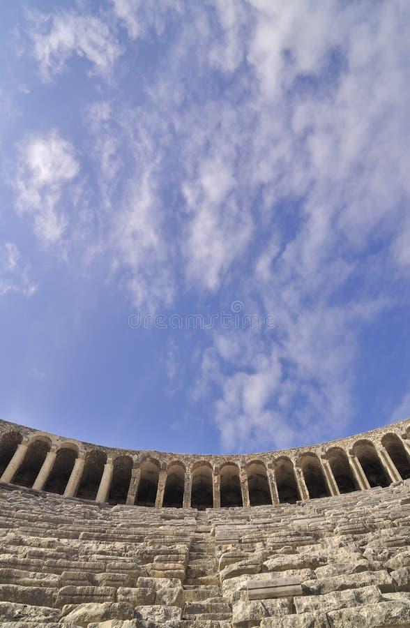 Download Aspendos wśrodku theatre obraz stock. Obraz złożonej z zabytek - 13341119
