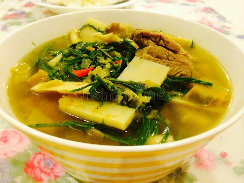 Asperge kruidige soep stock afbeelding