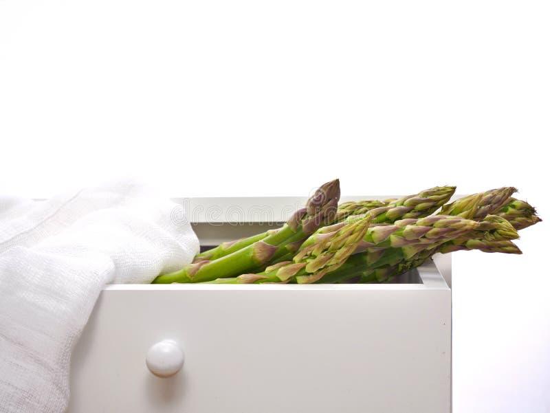 Asperge verte fraîche - délicatesse végétarienne photos stock