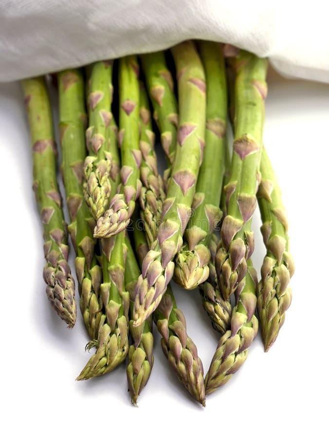 Asperge verte fraîche - délicatesse végétarienne images libres de droits