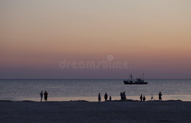 Aspettando il Sun per impostare fotografia stock