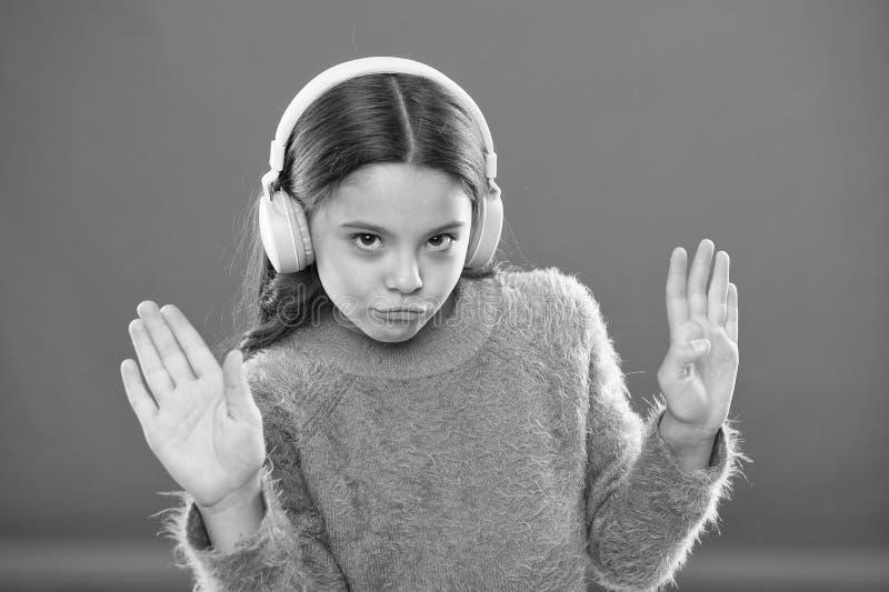 Aspetti di sentire liberamente Ottenga la sottoscrizione di conto di musica Access alle canzoni di milioni Goda del concetto di m immagini stock libere da diritti