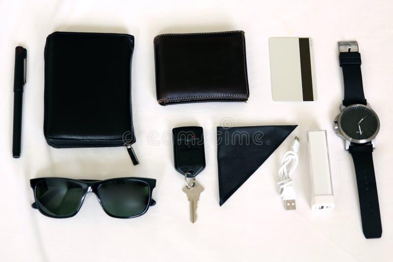 aspetti per uscire insieme - acessories sopra un fondo bianco fotografia stock libera da diritti