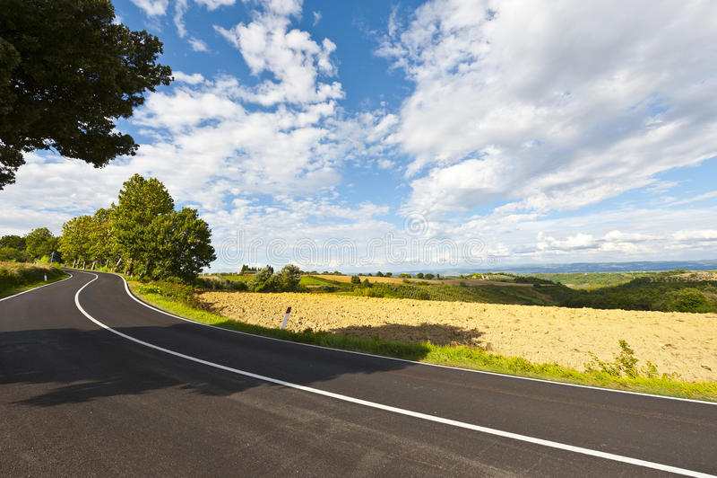Asphalt Road inTuscany images stock