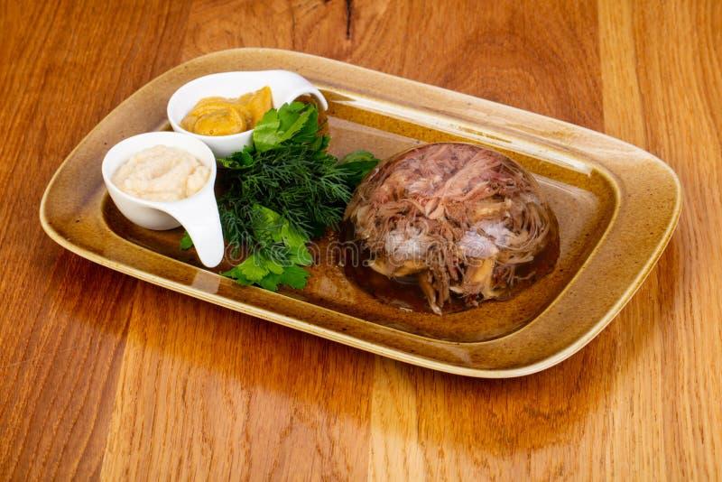 Aspic met rundvlees stock afbeeldingen