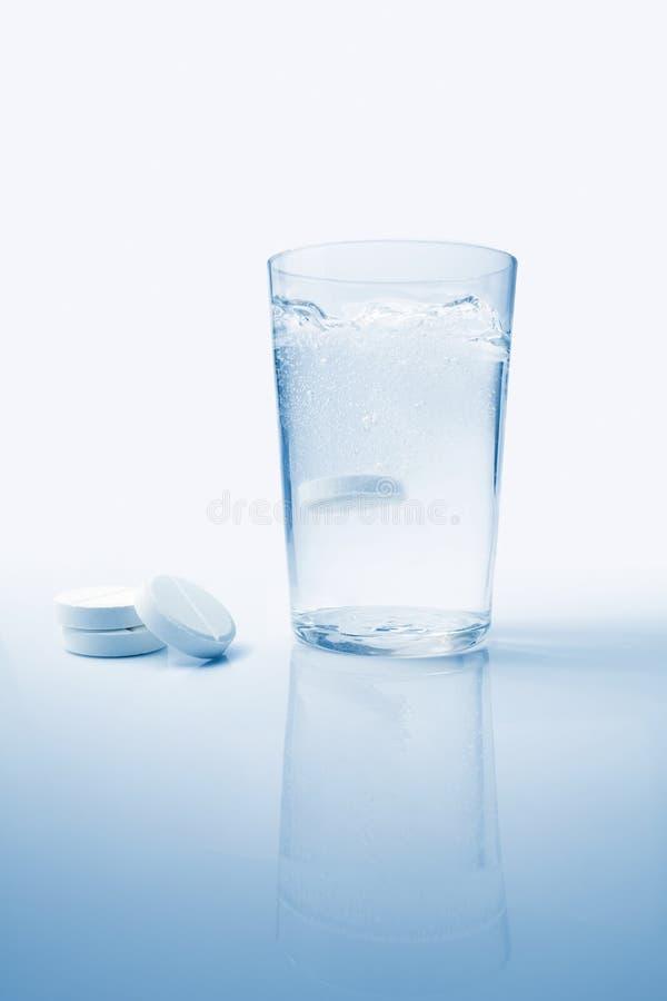 Aspirina efervescente fotografía de archivo