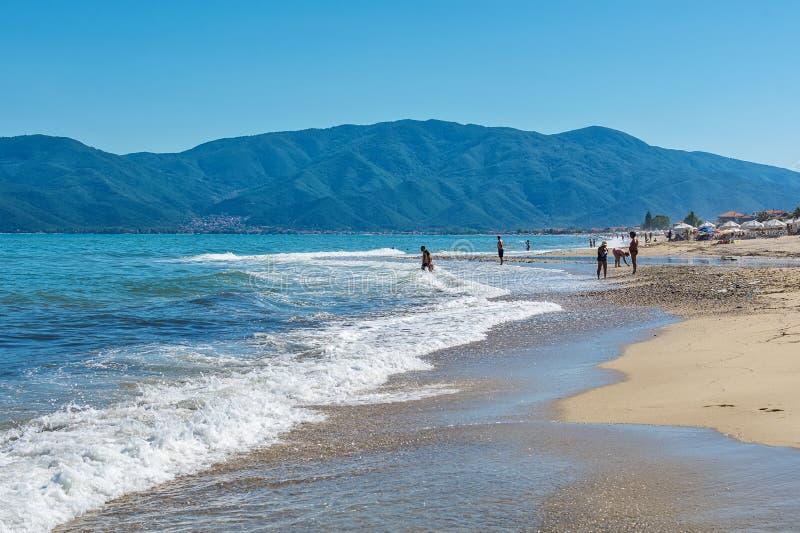 Asprovalta y nuevo Vrasna recurren, playa de Asprovalta Opinión del mar fotos de archivo