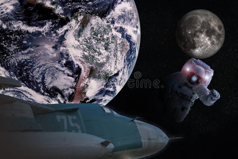 Asrtonaut i djupt utrymme nära den earthlike planetmånen och flygplanet royaltyfri bild