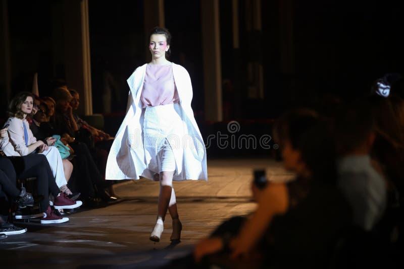 Ass.Comm. Porter Fashion Show: Manuela Lovrencic, Zagabria, Croazia immagine stock libera da diritti
