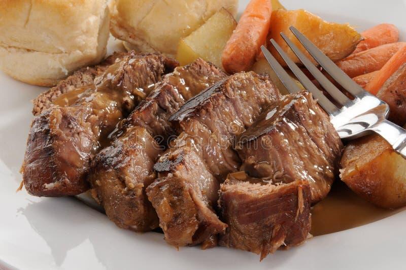 Assado de potenciômetro da carne imagens de stock