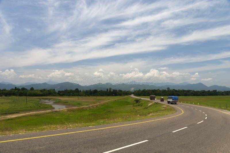Assam Arunachal Highway dans Assam, Inde image libre de droits