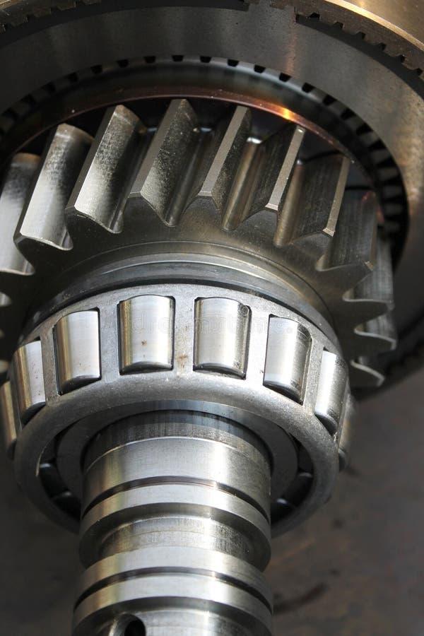 Assemblage van radertjesysteem voor motor stock fotografie