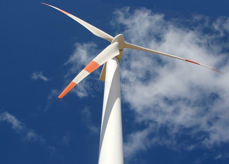 Assente acima da vista de um gerador de potência do moinho de vento imagem de stock