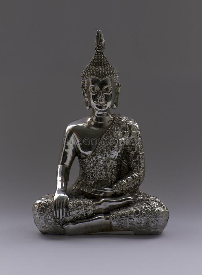 Assento da estatueta de Chrome buddha imagem de stock royalty free