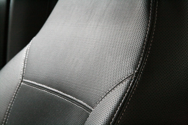 Assento de carro de couro preto de Luxery fotografia de stock royalty free