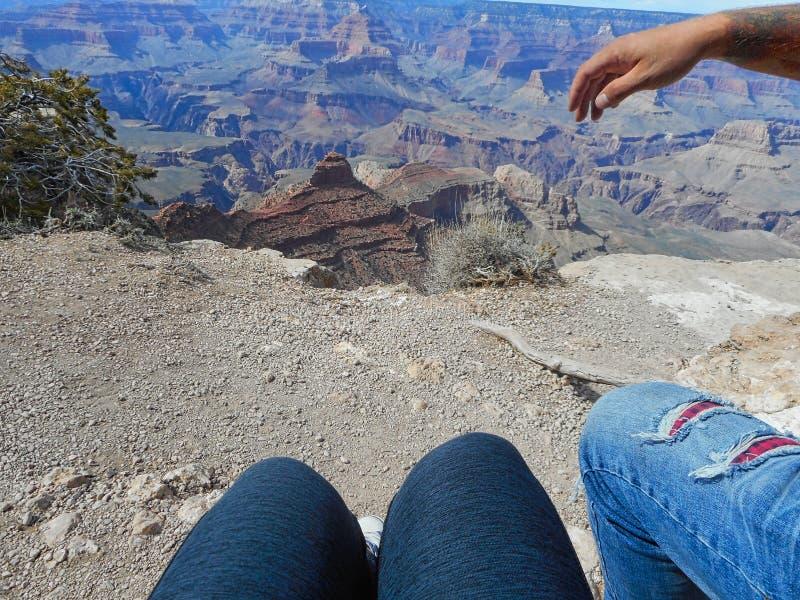 assento em uma rocha no Grand Canyon imagens de stock royalty free