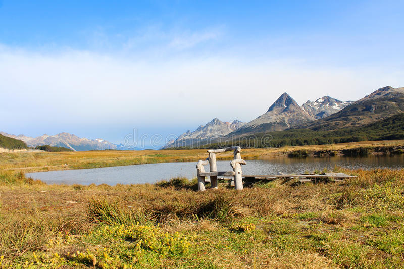 Assento na paisagem bonita de Tierra del Fuego fotografia de stock royalty free
