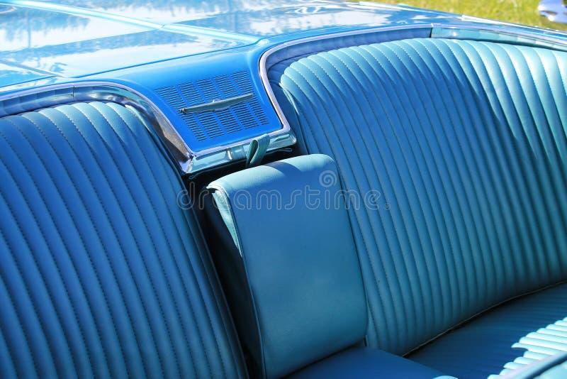Assento traseiro americano clássico do carro foto de stock royalty free