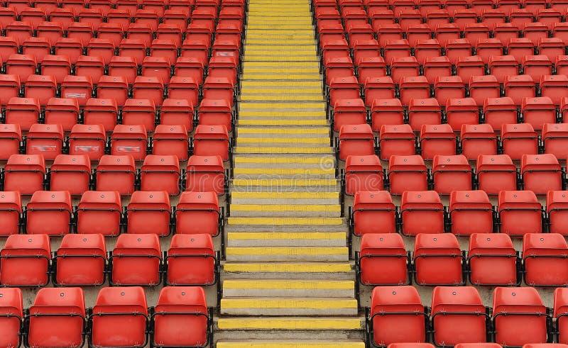Assentos do estádio com etapas imagens de stock royalty free