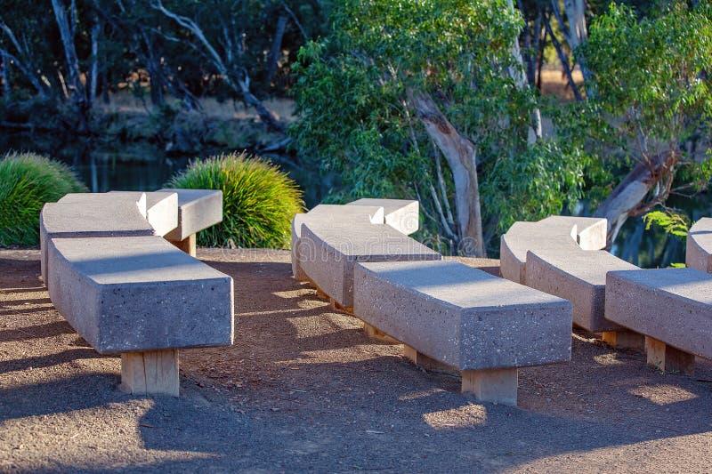 Assentos no banco de rio foto de stock royalty free