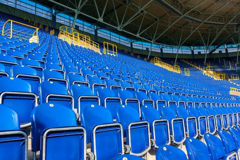 Assentos no estádio fotos de stock