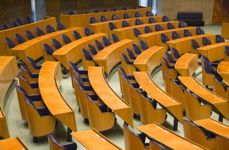 Assentos no parlamento holandês imagem de stock royalty free