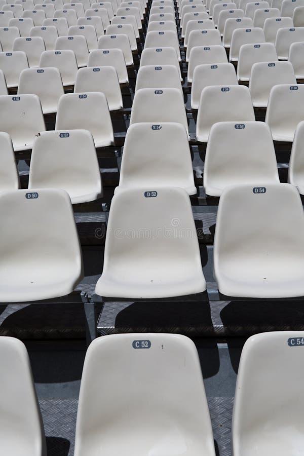 Assentos numerados branco foto de stock royalty free