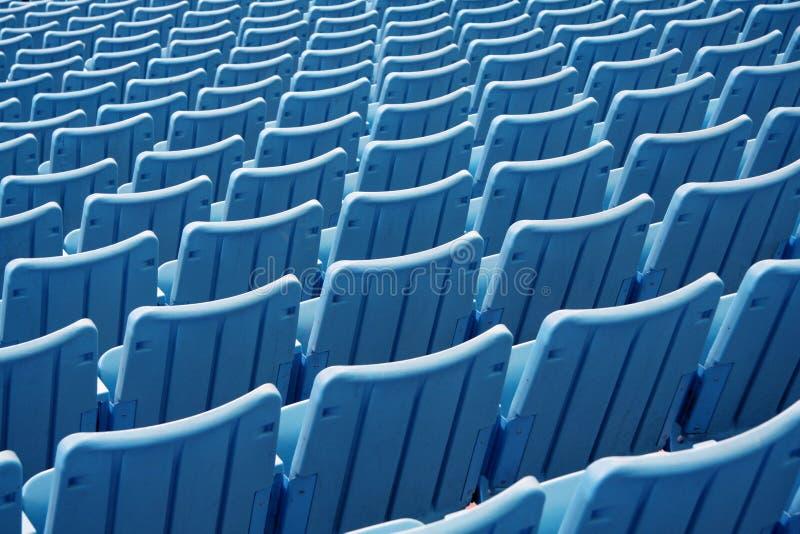 Download Assentos vazios do estádio foto de stock. Imagem de vazio - 535592
