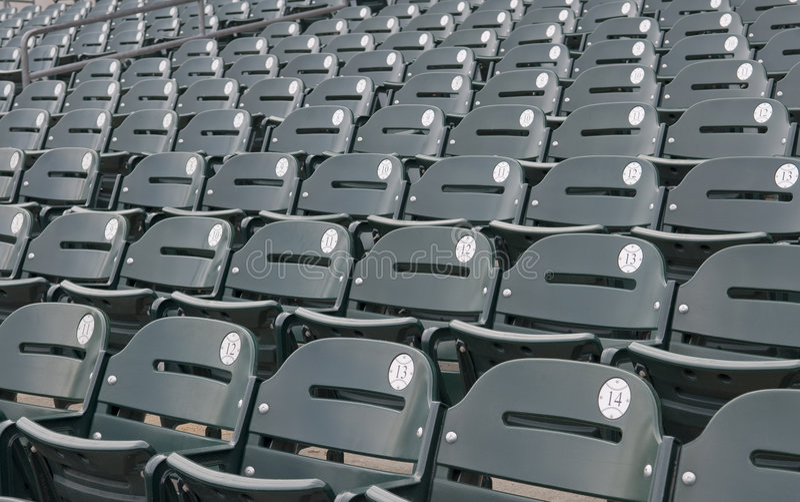 Assentos vazios do estádio do basebol fotografia de stock royalty free