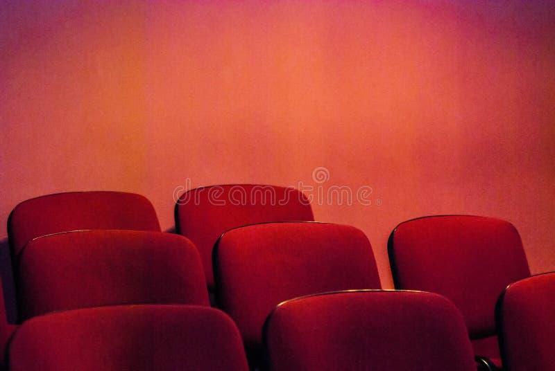 Assentos vazios do teatro fotografia de stock royalty free