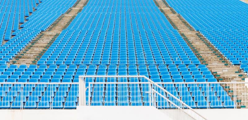 Assentos verdes do estádio foto de stock royalty free