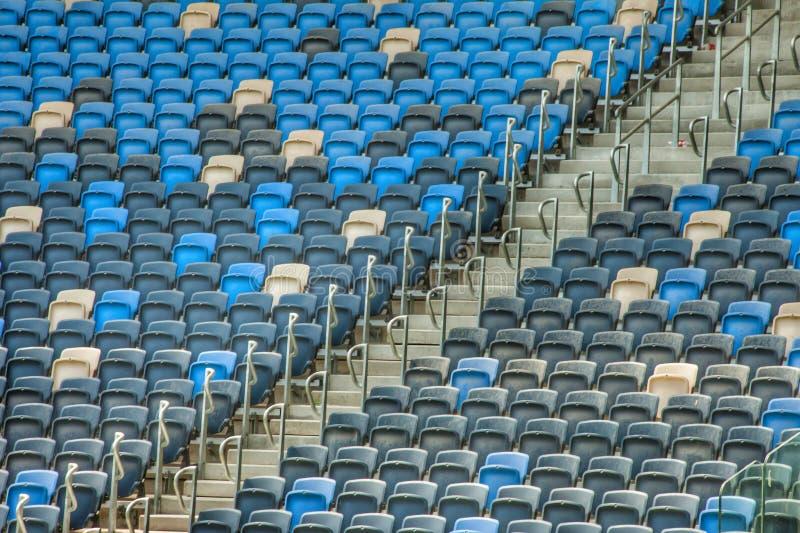 Assentos verdes do est?dio fotos de stock